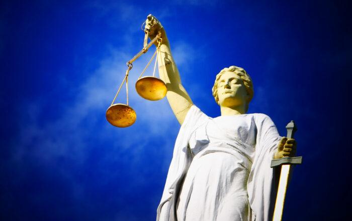 """Impuls zum Thema """"Urteilsfrei betrachten"""" für Wohlbefinden und Neuorientierung durch ganzheitliche Gesundheit"""